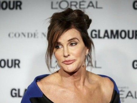 "Bruce Jenner awarded ""Woman of the Year"""